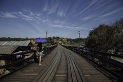 Ξύλινη γέφυρα (γέφυρα Mon) στο sangklaburi, kanchanaburi, επαρχία Ασία Ταϊλάνδη Στοκ εικόνα με δικαίωμα ελεύθερης χρήσης