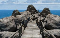 Ξύλινη γέφυρα της Νίκαιας στο νησί στοκ φωτογραφία με δικαίωμα ελεύθερης χρήσης