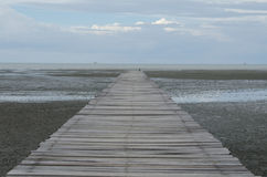 Ξύλινη γέφυρα Στοκ εικόνα με δικαίωμα ελεύθερης χρήσης