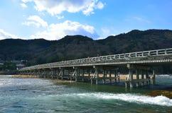 Ξύλινη γέφυρα Arashiyama, Κιότο Ιαπωνία Στοκ φωτογραφία με δικαίωμα ελεύθερης χρήσης