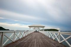 Ξύλινη γέφυρα Atsadang Koh Sichang Στοκ Φωτογραφίες