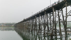 Ξύλινη γέφυρα Mon @Thailand Στοκ εικόνα με δικαίωμα ελεύθερης χρήσης