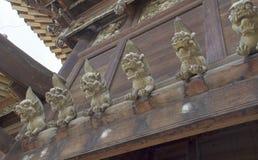 Ξύλινη γλυπτική λιονταριών στοκ φωτογραφίες