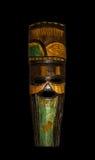 Ξύλινη εθνική φυλετική μάσκα διάσημα βουνά kanonkop της Αφρικής κοντά στο γραφικό αμπελώνα νότιων άνοιξη χειροτεχνία Στοκ φωτογραφία με δικαίωμα ελεύθερης χρήσης