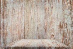 Ξύλινη επιτραπέζια κορυφή με το υπόβαθρο Στοκ Εικόνα