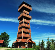 Ξύλινη επιφυλακή στο λόφο Velky Javornik Στοκ Εικόνες