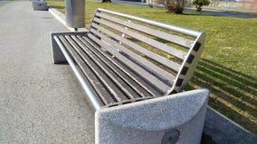 Ξύλινη ηλιόλουστη ημέρα πάγκων Στοκ φωτογραφία με δικαίωμα ελεύθερης χρήσης