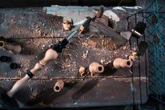 Ξύλινη διακόσμηση τεμαχίων για τη διακόσμηση shisha σε ένα ξύλινο υπόβαθρο Στοκ Φωτογραφία