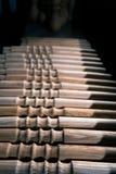 Ξύλινη διακόσμηση τεμαχίων για τη διακόσμηση shisha σε ένα ξύλινο υπόβαθρο Στοκ Εικόνες
