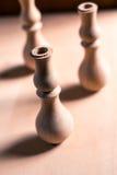 Ξύλινη διακόσμηση τεμαχίων για τη διακόσμηση shisha σε ένα ξύλινο υπόβαθρο Στοκ φωτογραφία με δικαίωμα ελεύθερης χρήσης