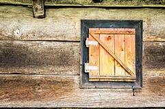 Ξύλινη κάλυψη παραθύρων Στοκ Φωτογραφία