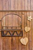 Ξύλινη μορφή, μορφή καρδιών, μορφή λουλουδιών Στοκ Εικόνες