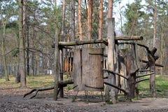 Ξύλινη παιδική χαρά σε πιό forrest Στοκ εικόνες με δικαίωμα ελεύθερης χρήσης
