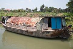 Ξύλινη παλαιά βάρκα Στοκ Εικόνες