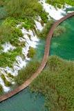 Ξύλινη πορεία στο εθνικό πάρκο Plitvice το φθινόπωρο Στοκ φωτογραφία με δικαίωμα ελεύθερης χρήσης