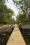 Ξύλινη πορεία στο ναό Neak Pean κοντά σε Angkor Wat Καμπότζη Στοκ φωτογραφίες με δικαίωμα ελεύθερης χρήσης