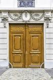 Ξύλινη πόρτα εισόδων στο Παρίσι, Γαλλία Στοκ Εικόνες