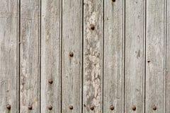 Ξύλινη πόρτα με τις επιτροπές και τα καρφιά Στοκ φωτογραφίες με δικαίωμα ελεύθερης χρήσης