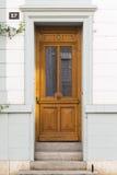 Ξύλινη πόρτα με το σπίτι αριθμός 57 Στοκ Εικόνες