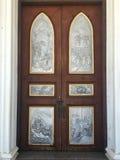 Ξύλινη πόρτα Nativity της γυναικείας Cathedral εκκλησίας μας Στοκ Εικόνες