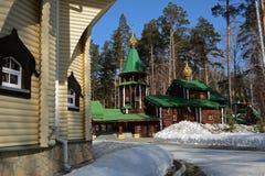 Ξύλινη ρωσική ορθόδοξη χριστιανική εκκλησία των ιερών βασιλικών μαρτύρων στο μοναστήρι Ganina Yama Στοκ φωτογραφίες με δικαίωμα ελεύθερης χρήσης