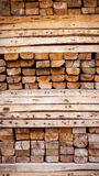 Ξύλινη συσσωρευμένη, πρώτη ύλη για την κατασκευή Στοκ Φωτογραφία