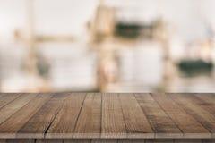 Ξύλινη tabletop προοπτική για την τοποθέτηση προϊόντων Στοκ εικόνα με δικαίωμα ελεύθερης χρήσης
