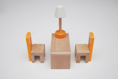 Ξύλινοι καρέκλες και πίνακας urniture Στοκ εικόνα με δικαίωμα ελεύθερης χρήσης