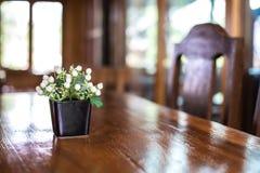 Ξύλινοι πίνακες και έδρες Στοκ Εικόνες