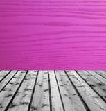 Ξύλινοι πίνακες και πορφυρό ξύλο Στοκ Εικόνες