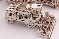 Ξύλινοι τρισδιάστατοι γρίφοι παιχνιδιών Στοκ εικόνα με δικαίωμα ελεύθερης χρήσης