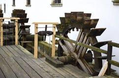 Ξύλινοι υδραυλικοί τροχοί μύλων Στοκ Εικόνες