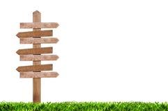 Ξύλινος δείκτης στο χορτοτάπητα Στοκ εικόνα με δικαίωμα ελεύθερης χρήσης