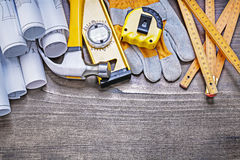 Ξύλινος εκλεκτής ποιότητας πίνακας πεύκων με τα σχέδια κατασκευής και το σύνολο bui Στοκ φωτογραφίες με δικαίωμα ελεύθερης χρήσης
