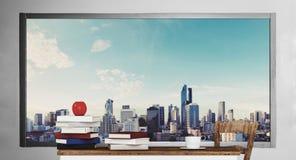 Ξύλινος πίνακας με τα βιβλία, με το υπόβαθρο άποψης πόλεων Στοκ εικόνες με δικαίωμα ελεύθερης χρήσης