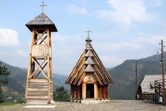 Ξύλινος πύργος εκκλησιών και κουδουνιών Στοκ Εικόνες