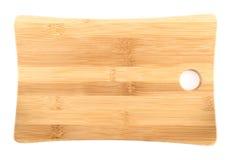 Ξύλινος τέμνων πίνακας πέρα από το άσπρο υπόβαθρο Στοκ φωτογραφία με δικαίωμα ελεύθερης χρήσης