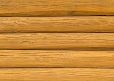 Ξύλινος τοίχος κούτσουρων Στοκ Φωτογραφίες