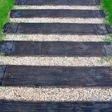 Ξύλινος τρόπος σκαλοπατιών Στοκ Φωτογραφία