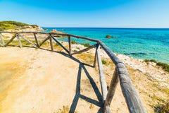 Ξύλινος φράκτης στην παραλία Santa Giusta Στοκ Εικόνες