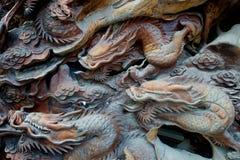 Ξύλινος χαρασμένος δράκος Στοκ φωτογραφία με δικαίωμα ελεύθερης χρήσης