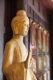 Ξύλινο άγαλμα του Βούδα μέσα στο ναό Chainese Στοκ φωτογραφίες με δικαίωμα ελεύθερης χρήσης