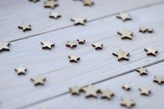 Ξύλινο άσπρο υπόβαθρο με τα αστέρια Στοκ Εικόνες