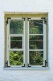 Ξύλινο αγροτικό παράθυρο Στοκ φωτογραφίες με δικαίωμα ελεύθερης χρήσης