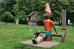 Ξύλινο γλυπτό Buratino Pinocchio Στοκ εικόνες με δικαίωμα ελεύθερης χρήσης