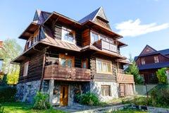 Ξύλινο κατοικημένο κτήριο σε Zakopane Στοκ Εικόνα