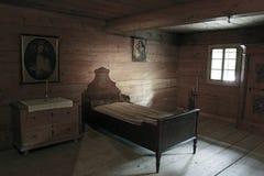 Ξύλινο κρεβάτι Στοκ Φωτογραφίες