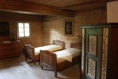 Ξύλινο κρεβάτι Στοκ Εικόνες