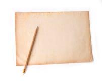 Ξύλινο μολύβι σε παλαιό χαρτί ρύπου Στοκ φωτογραφία με δικαίωμα ελεύθερης χρήσης