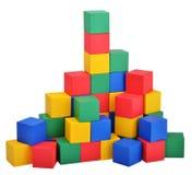 Ξύλινο παιχνίδι οικοδόμησης κάστρων κύβων παιχνιδιών Στοκ Εικόνα